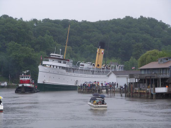 Keewatin at Red Dock